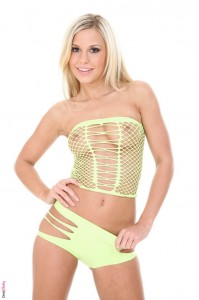 Hot blonde LOLA