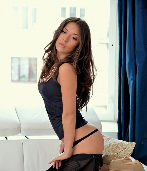 Mila hot girl : Beautiful Babe Every Day!